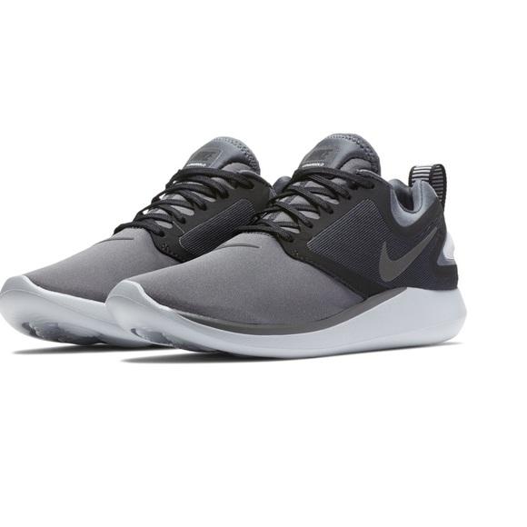 los angeles e4ddc 9788a Women s Nike LunarSolo Running Shoe. M 5c645110a5d7c6c3d1a09247